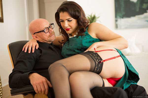 Female To Male Buck Angel In Hot New Porn Scene!