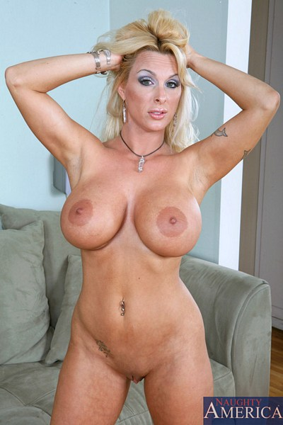 hollyhalston-070715a.jpg Picture