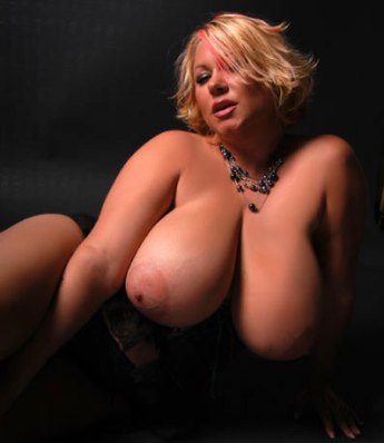 Sexy Samantha 38G